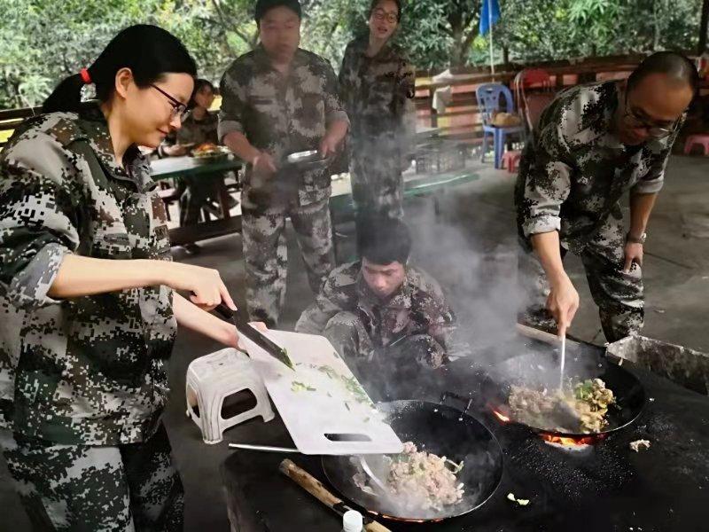 野炊,春游,地卫士地坪团队,地卫士地坪团队炒菜