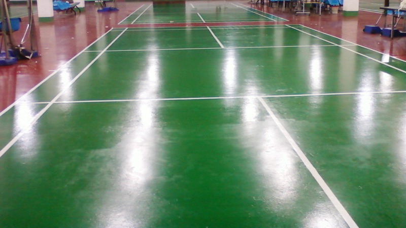 广东纺织学院采用PU运动场地坪