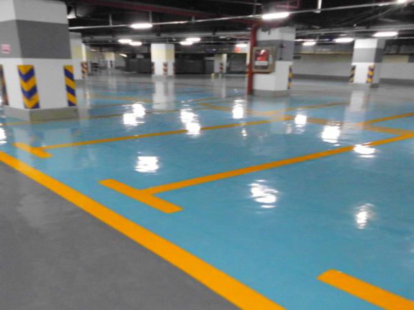 选择停车场车库地坪漆施工要考虑哪些因素?