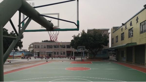 佛山蔡边小学选用地卫士压克力运动场地坪