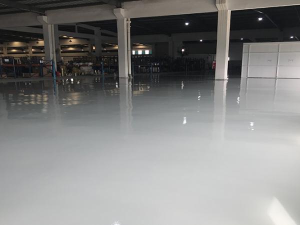 17年树脂地坪漆施工经验的厂家,无需担心质量问题!