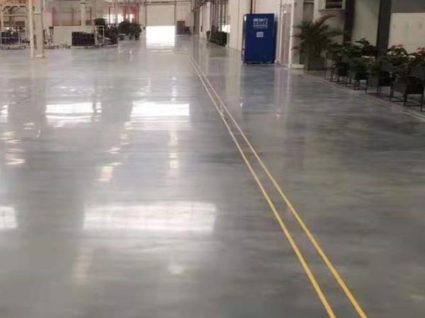 五金厂选固化剂地坪有什么好处?