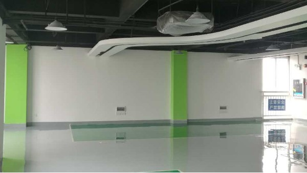 华材职业技术学校选用地卫士环氧地坪漆工程