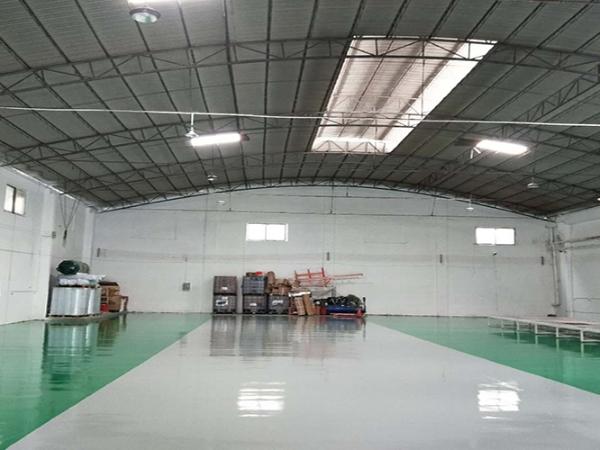 广东地板漆公司提供一站式服务,省心省力为您服务!