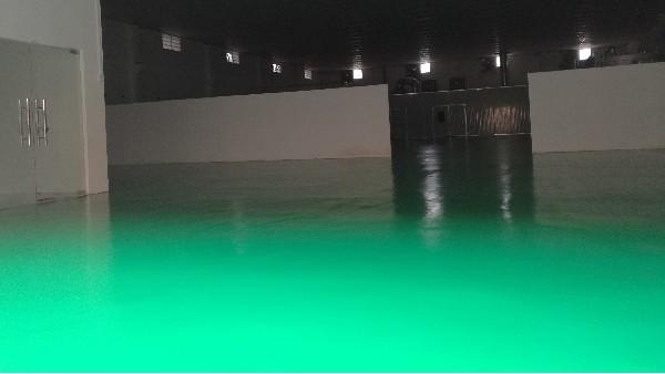 佛山炫辰钛金厂选用地卫士水性聚胺酯砂浆环氧地坪漆工程