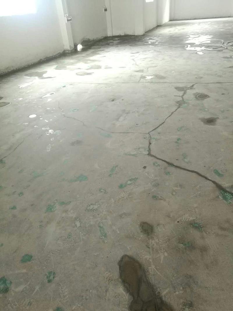 混凝土地面开裂,预防混凝土地面开裂,地面开裂,地卫士地坪,佛山固化剂地坪